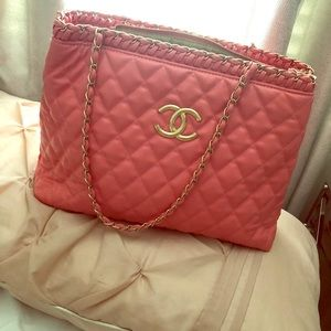 Auth pink Chanel lambskin tote